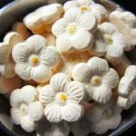 Resep Kue Bangkit Susu Spesial Enak Mantap