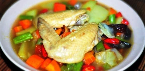 Resep Sajian Masakan Sop Ayam Kuah Maknyus