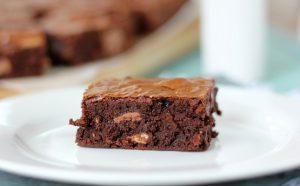 Cara Membuat Brownies Chocowafer Manis Lembut